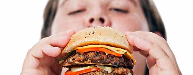 dossier_sante_alimentation_BED_eating_hamburger